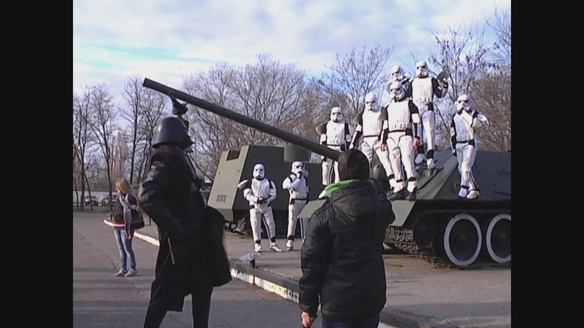 Ukraine: Starwars Stormtroopers battle drugs
