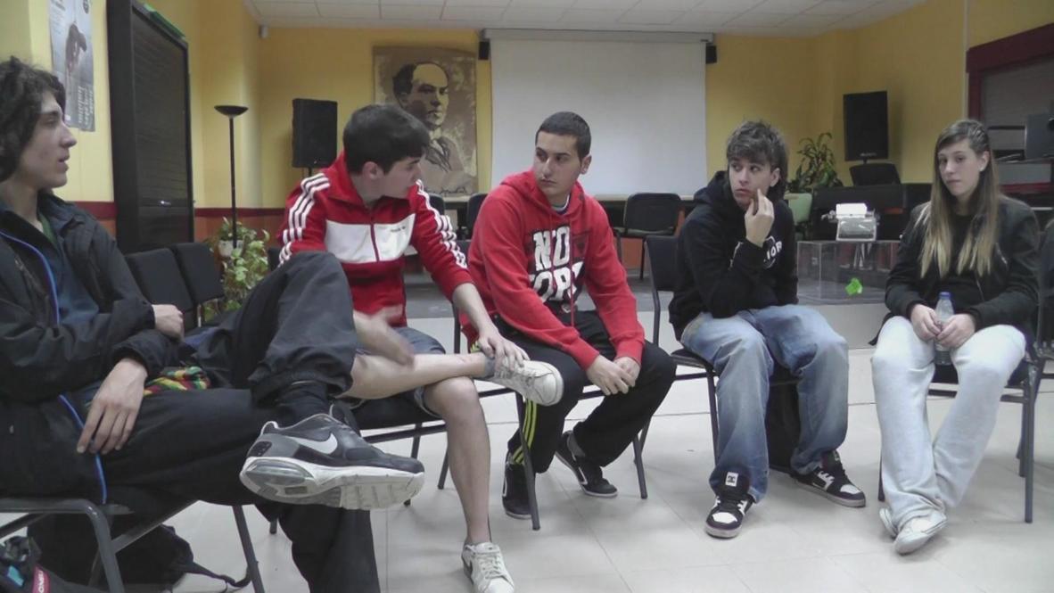 Spain: Next generation activists occupy high-school