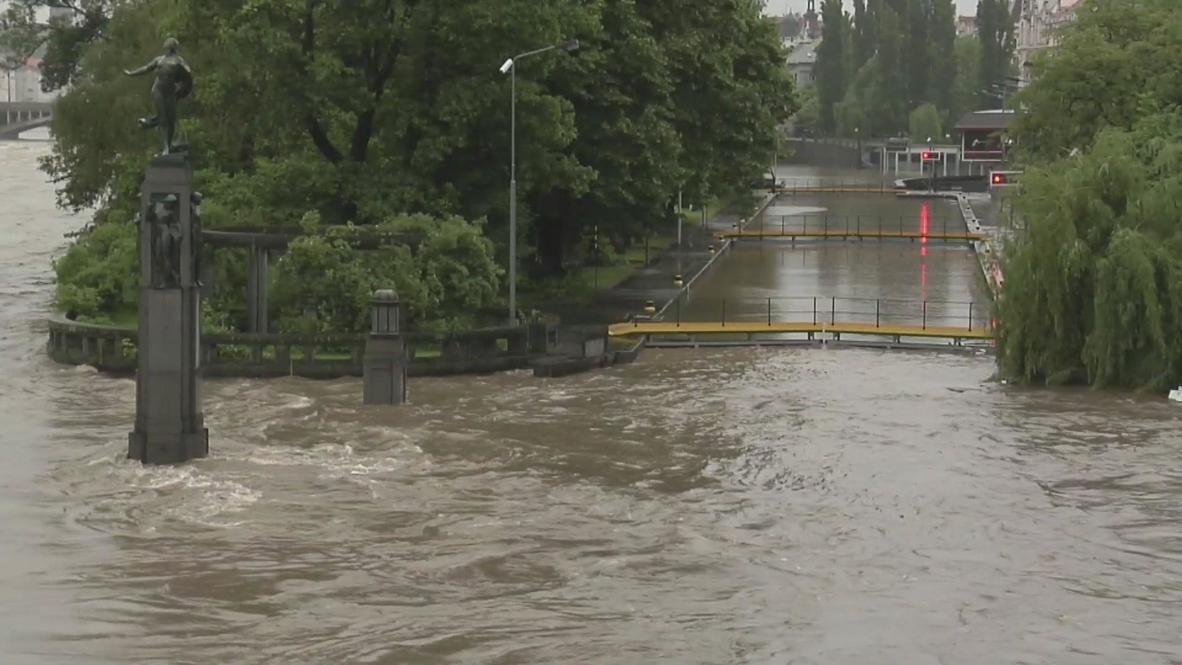 Czech Republic: Heavy rain and floods swallow Prague