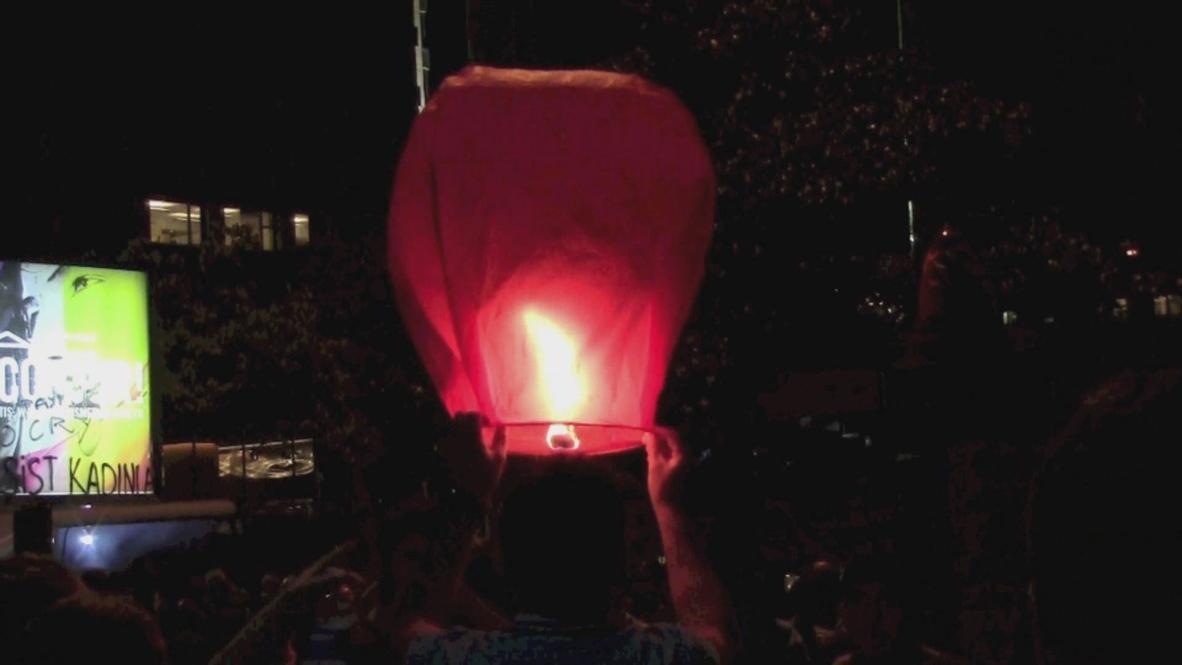 Turkey: Taksim Square protesters wish upon a star