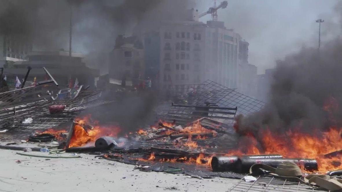 Turkey: Running battles in Taksim intensify