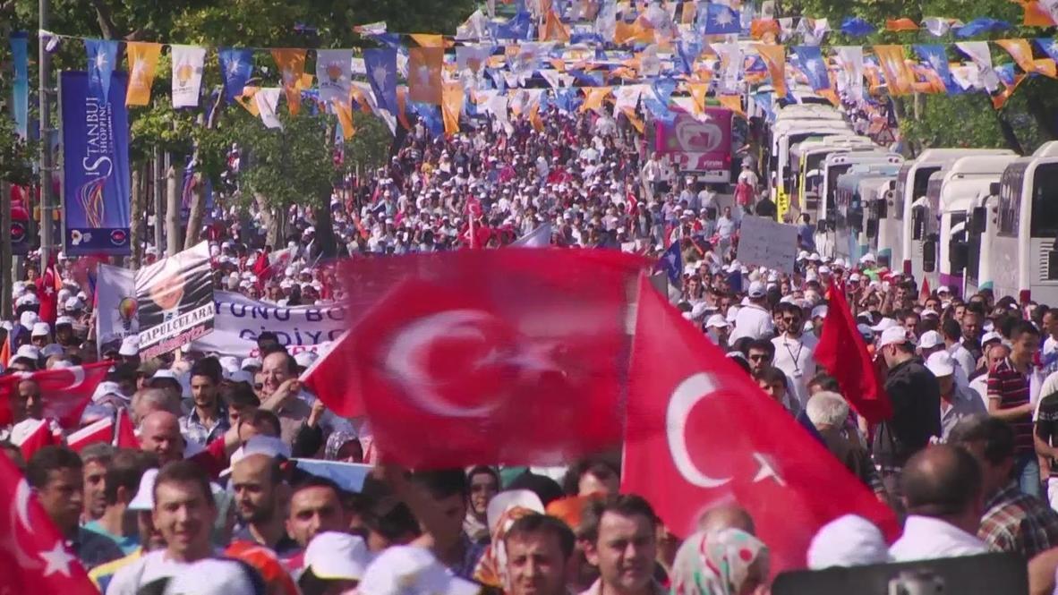 Turkey: Hundreds of thousands rally to Erdogan's side