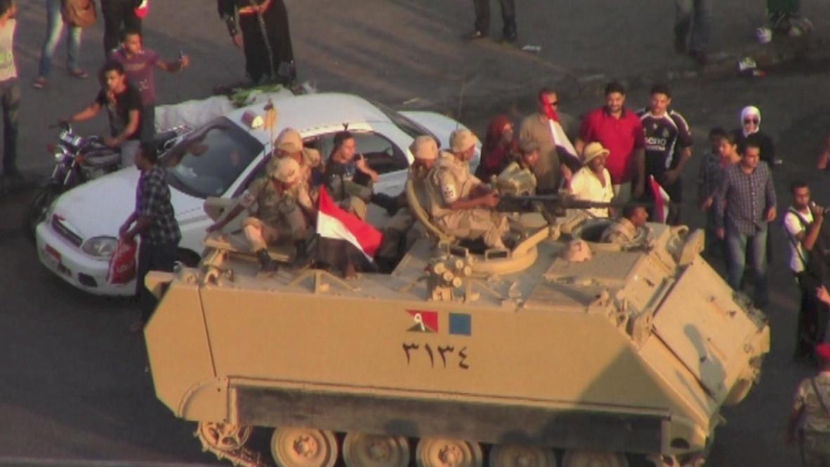 Egypt: Army roadblocks halt Morsi supporters