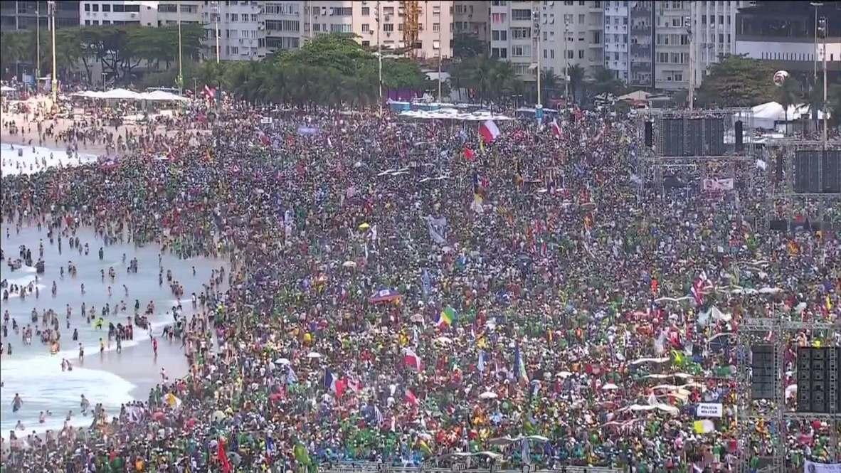Brazil: Copacabana heaving with Brazilian faithful