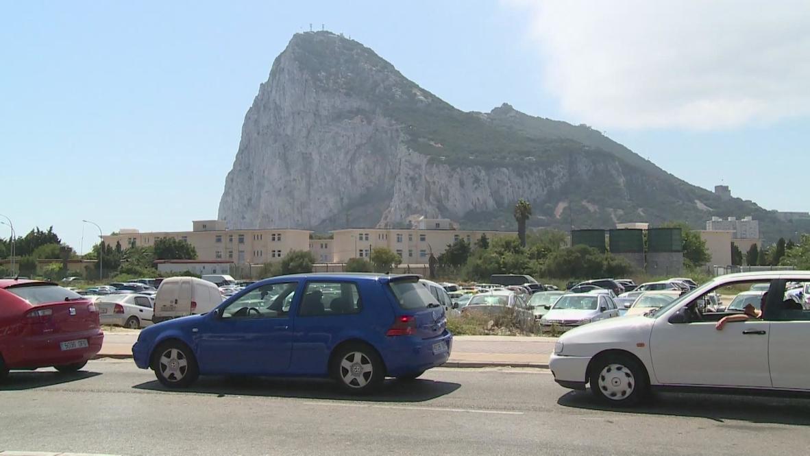 Spain: Drivers fume over frontier delays