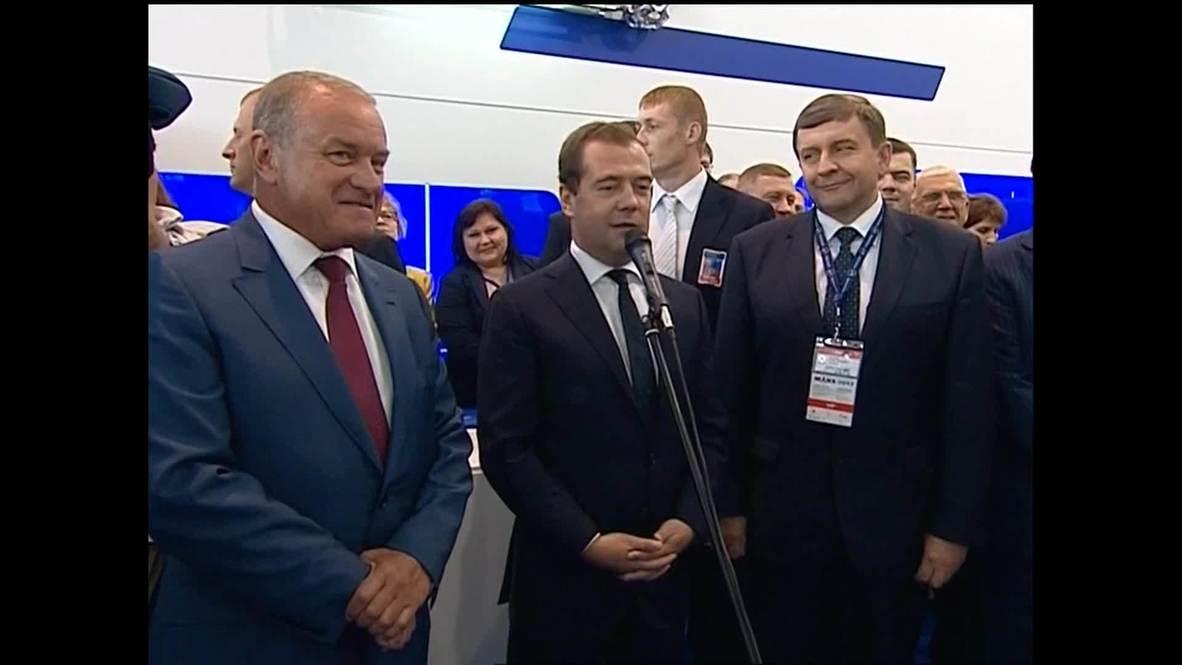 Russia: Medvedev experiences MAKS air show