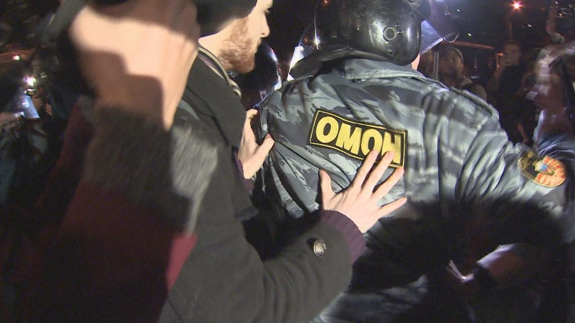 Russia: Anti-migrant protesters return to Turquiose Mall