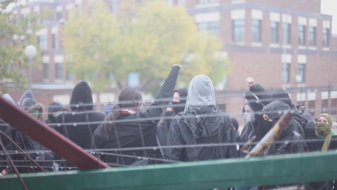Spain: Madrid's yo-yoing barricades go up, then down again