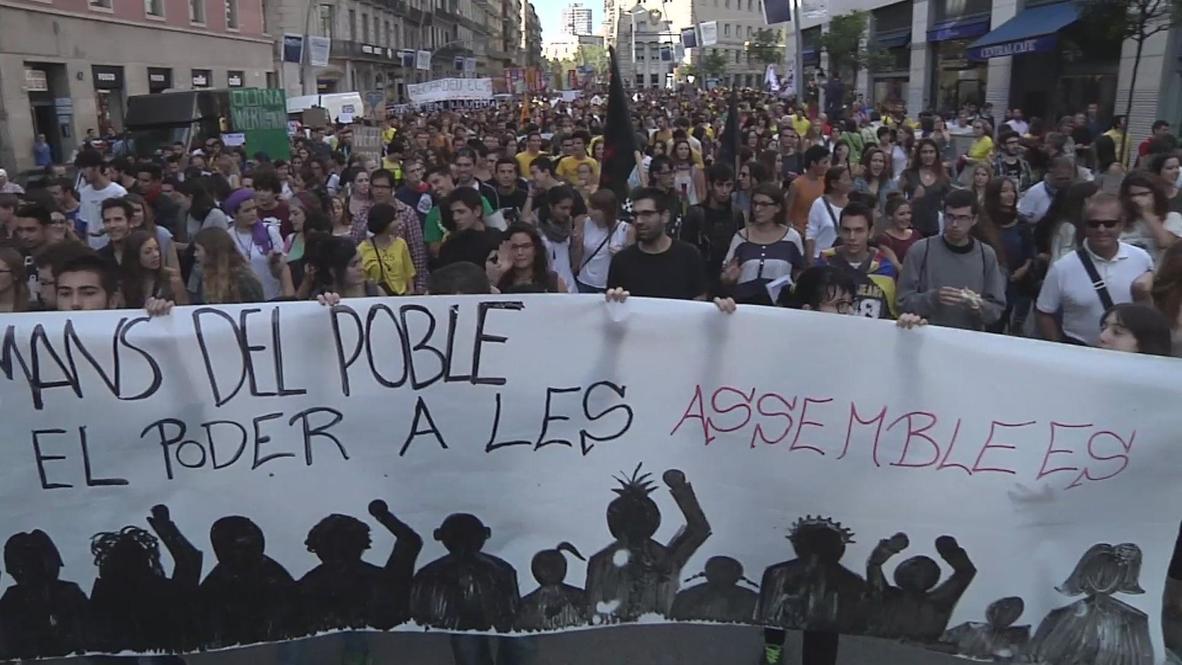 Spain: Students squeeze Wert in Barcelona