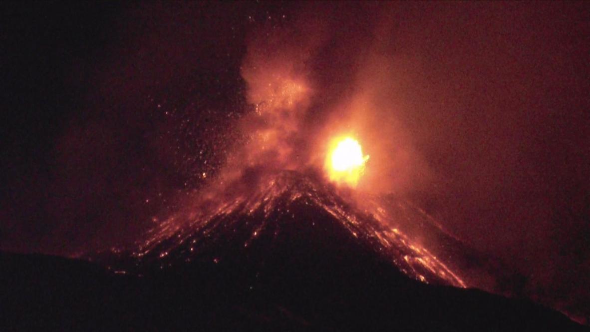 Italy: Etna spews 600-metre lava fountains