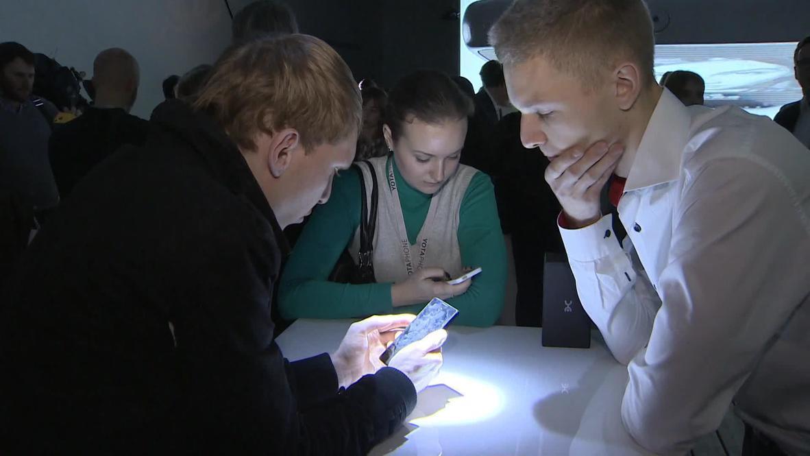 Russia: Meet the new dual-screen Yotaphone