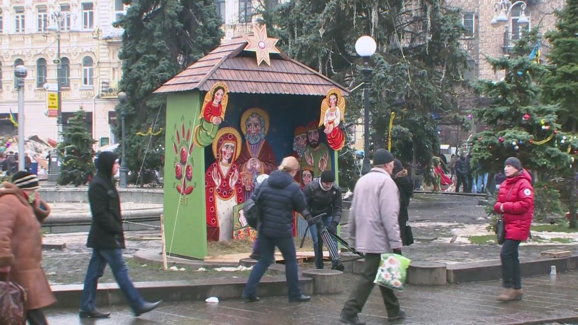 Ukraine: Nativity scene comes to Maidan as protesters get festive