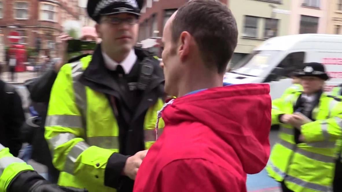 United Kingdom: Muslims stage anti-alcohol protest in Brick Lane