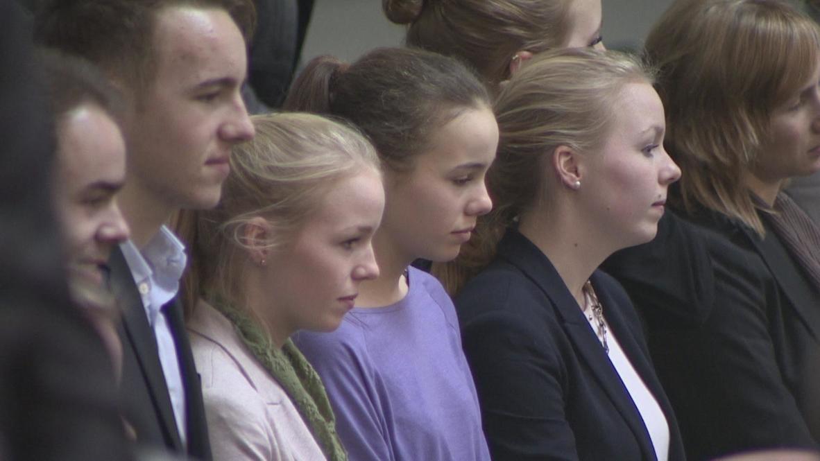 Germany: Von der Leyen's seven children attend mother's defence minister appointment