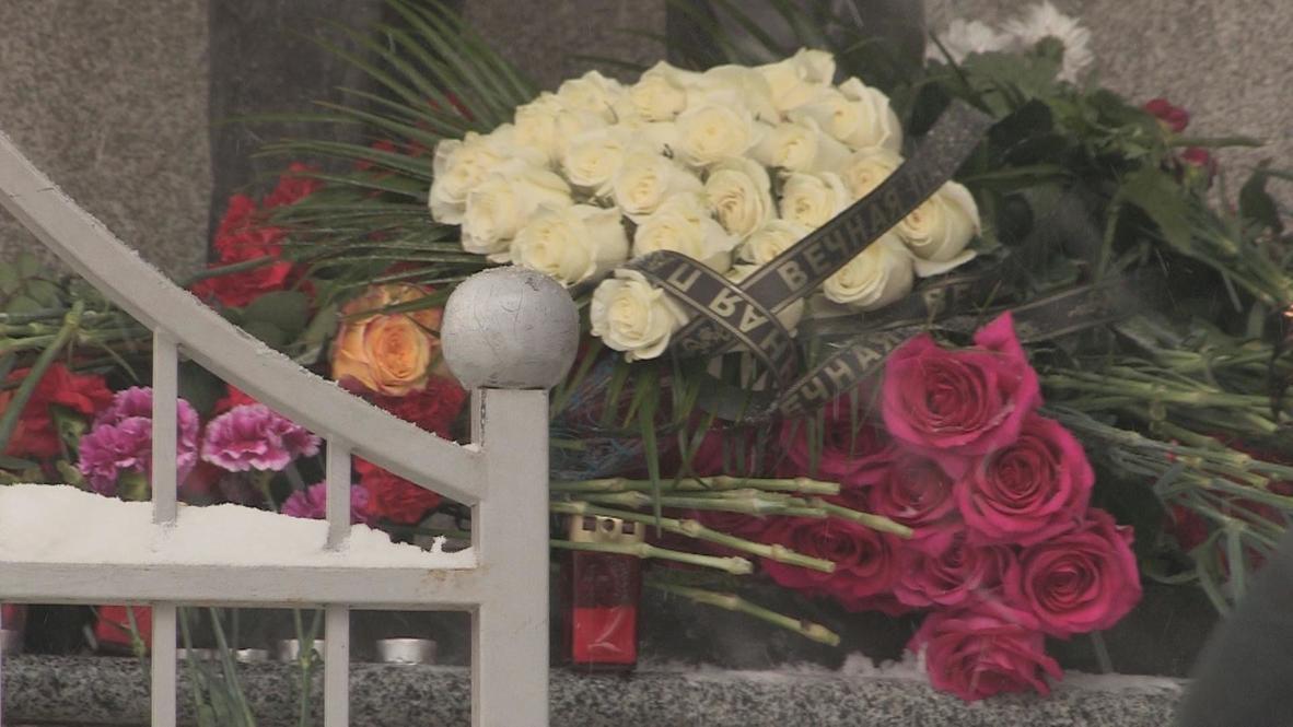 Russia: Izkevsk mourns for hometown hero Kalashnikov