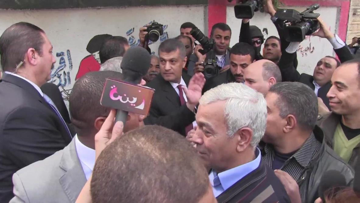 Egypt: Interior Minister Moustafa casts referendum vote