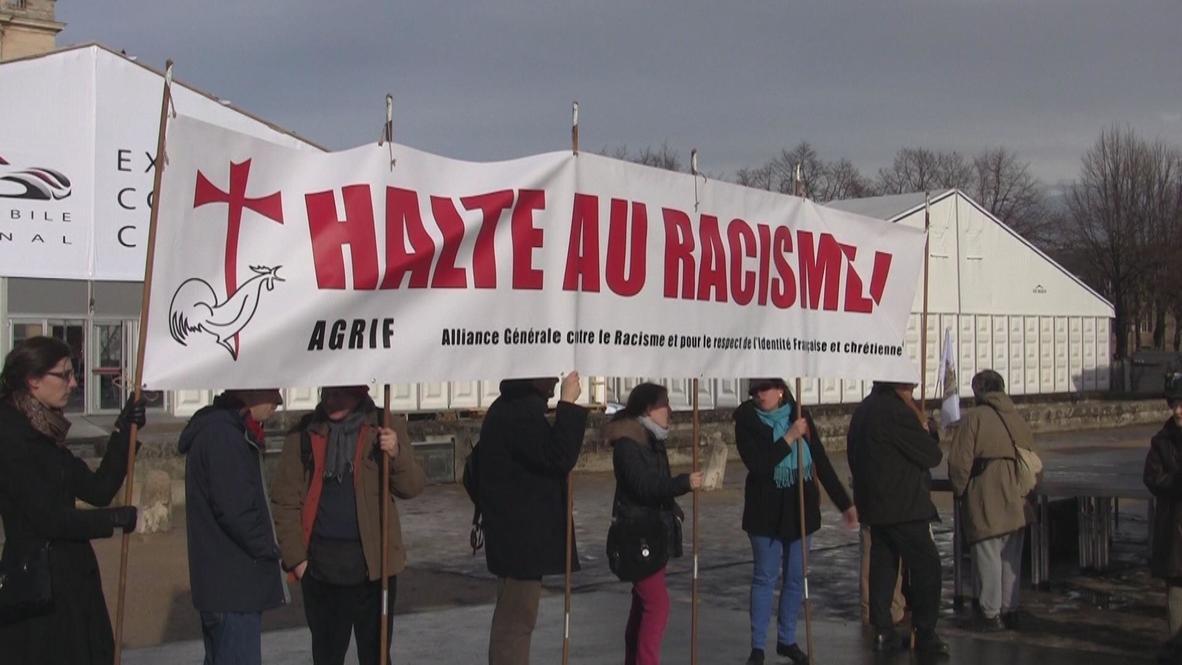 France: Religious protesters demand FEMEN go back to Ukraine