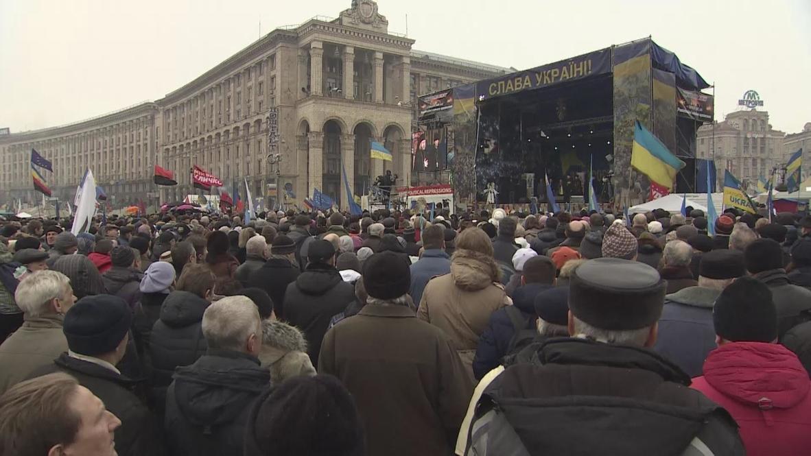 Ukraine: Klitschko addresses massed Maidan protesters at veche council