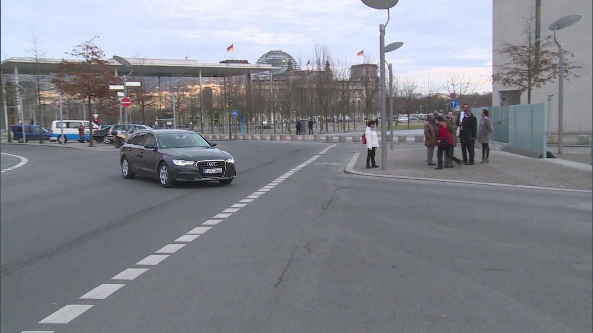Germany: Klitschko and Yatsenyuk arrive at German chancellery