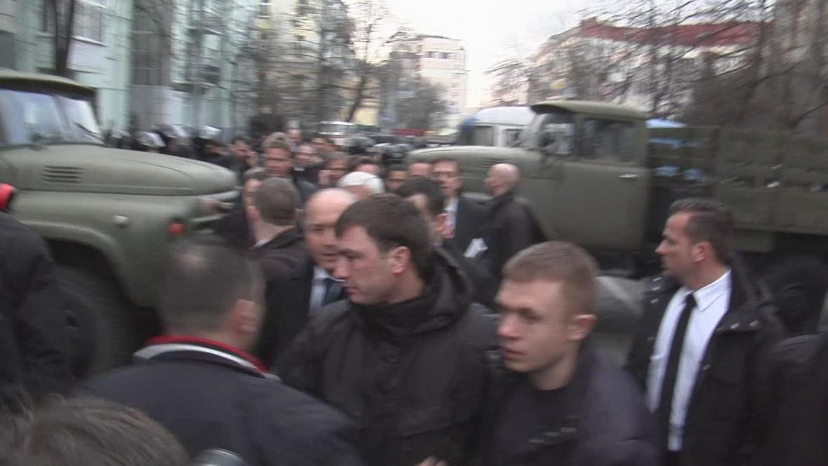 Ukraine: Steinmeier and Fabius in Kiev for talks