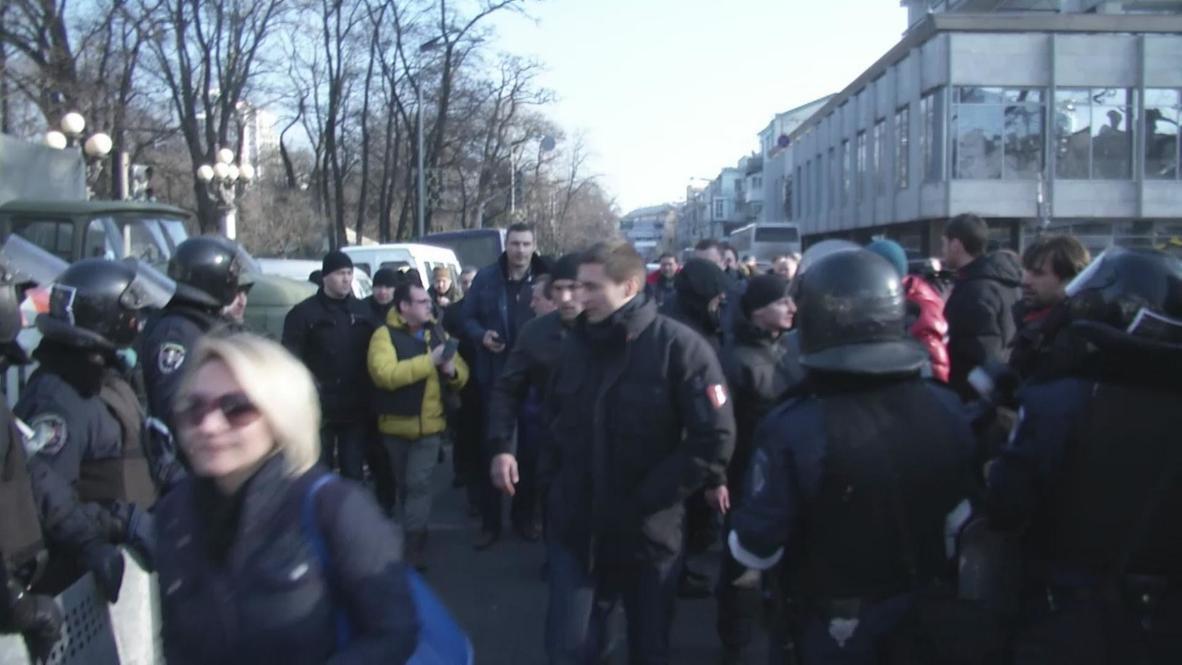 Ukraine: 'Brother shouldn't go against the brother' - Klitschko