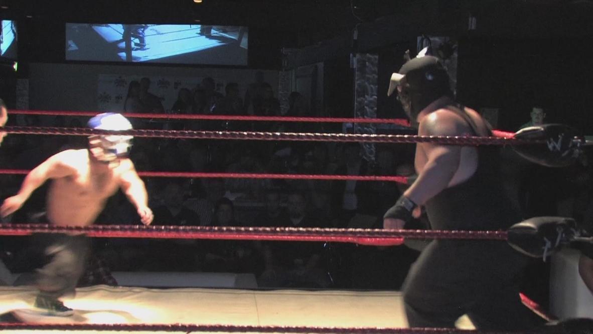 USA: Extreme Midget Wrestling looks like it hurts