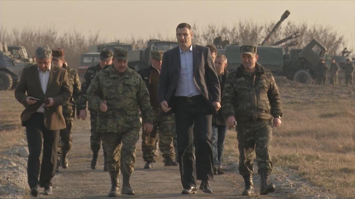 Ukraine: Klitschko visits military training in Zhytomyr