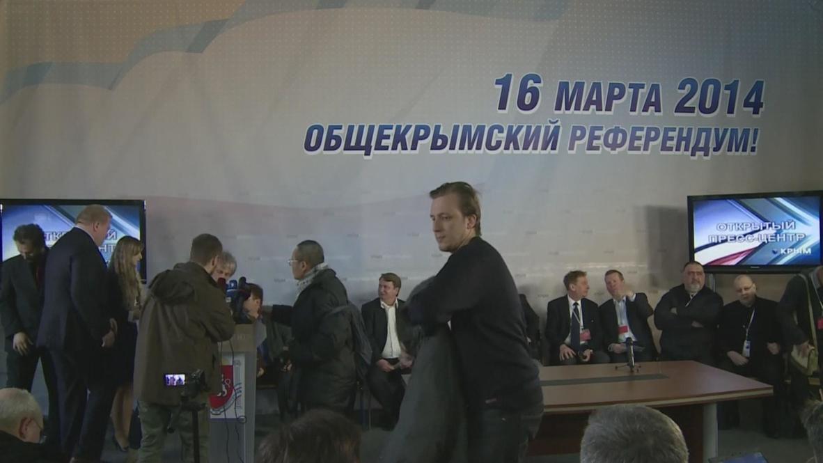 Ukraine: 'We didn't see any violations' - International observer of Crimea vote