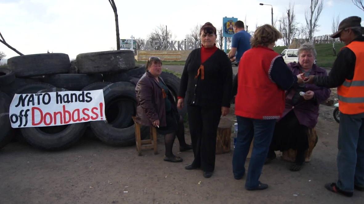 Ukraine: Grandmothers man the barricades