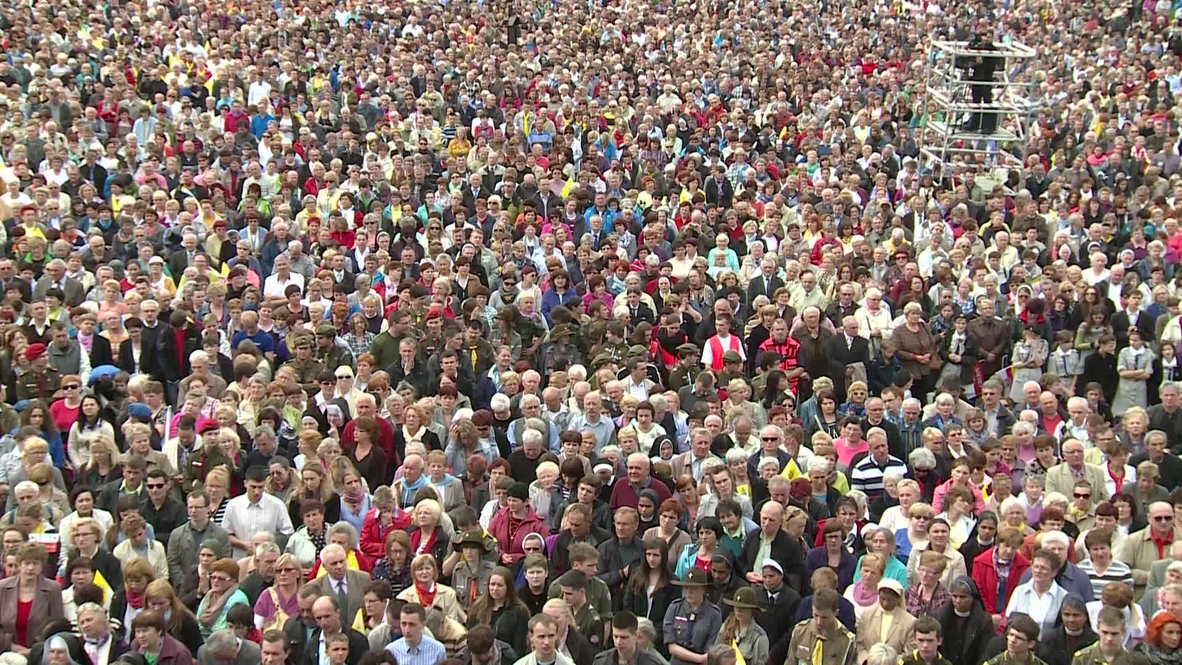 Poland: Tens of thousands attend mass in Krakow to mark Pope John Paul II's sainthood