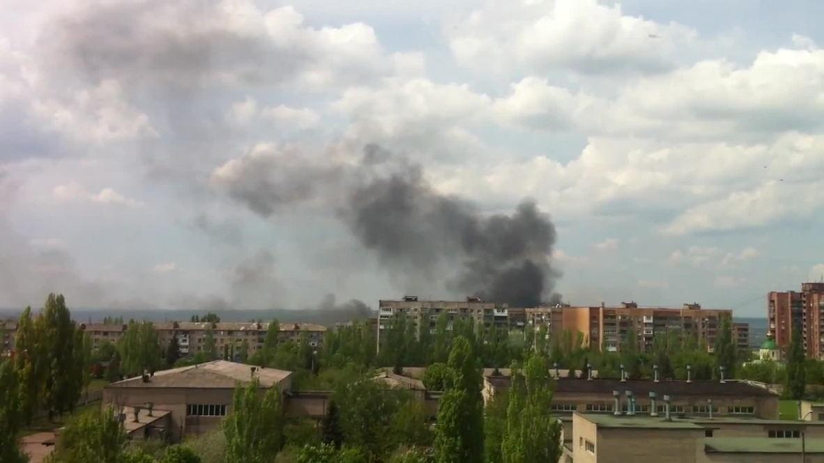 Ukraine: Smoke rises from Kramatorsk street battles
