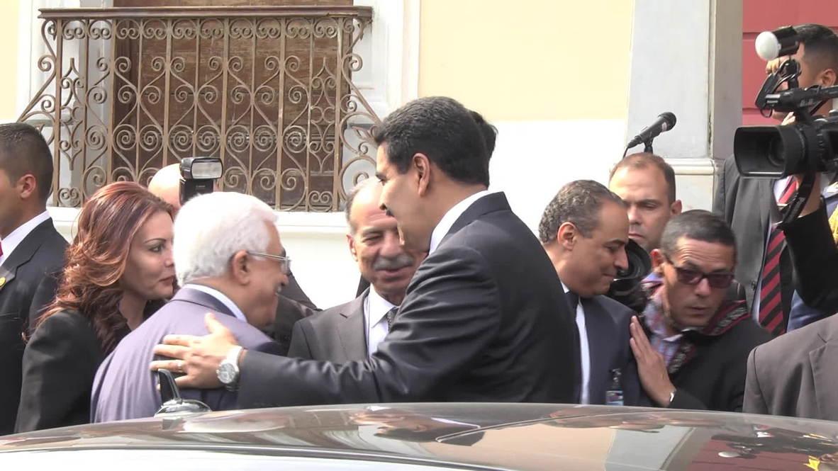 Venezuela: Maduro signs oil deal with Palestine's Abbas