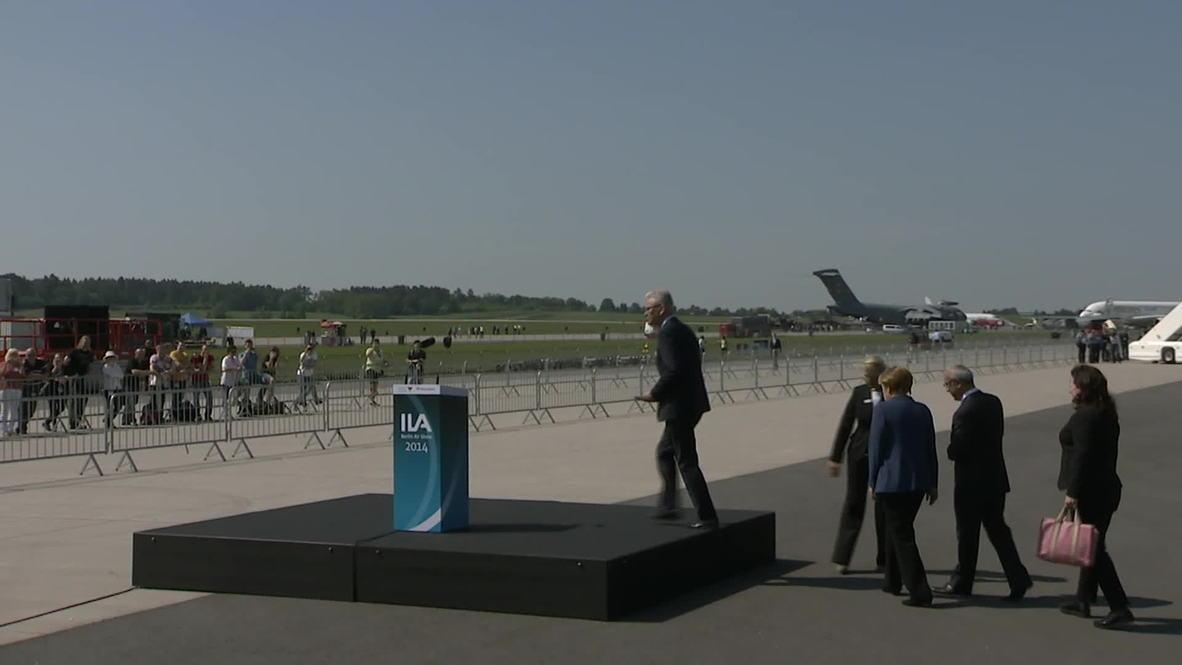 Germany: Merkel salutes Airbus and ESA at Berlin air show