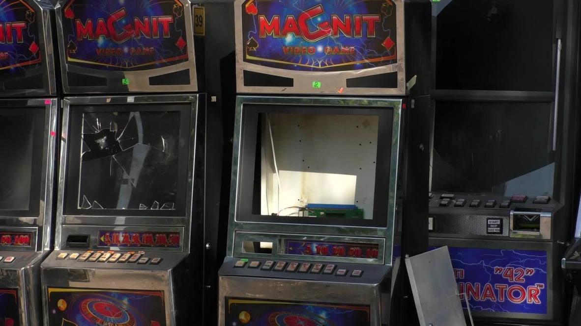 Ukraine: Slot machines for barricades in Kramatorsk