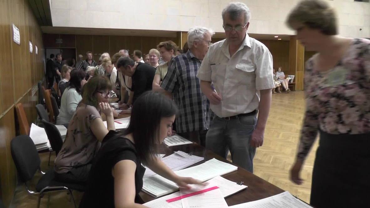 Ukraine: Voting underway in Kiev