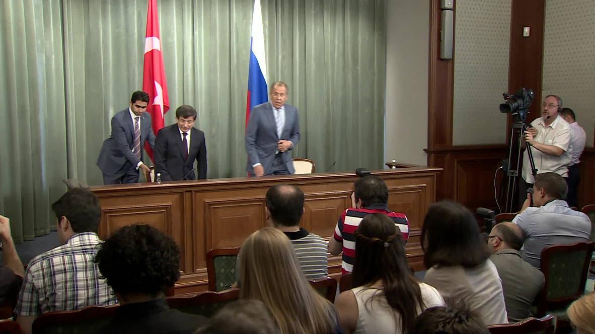 Russia: Poroshenko shouldn't expect a 'hospitable' reception in Donetsk- Lavrov