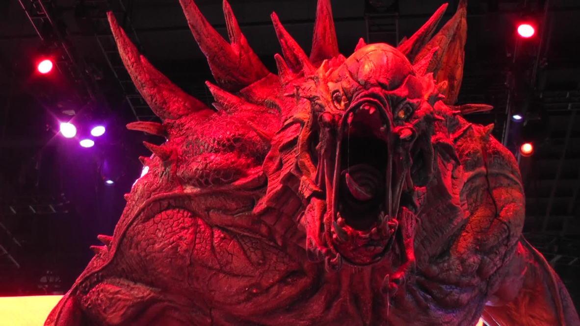 USA: Man v. monster shooter 'Evolve' draws the crowds in LA