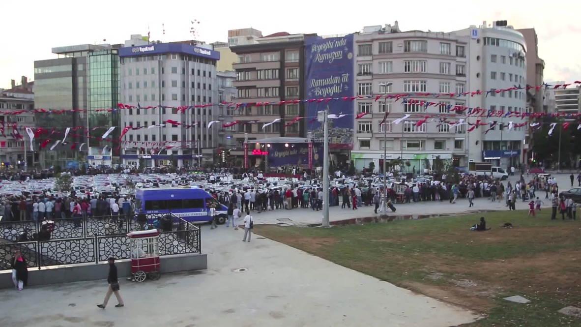 Turkey: Hundreds converge on Taksim Square to break fast