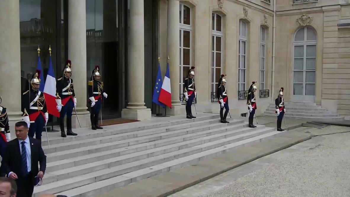 France: Queen Letizia and King Felipe meet Hollande