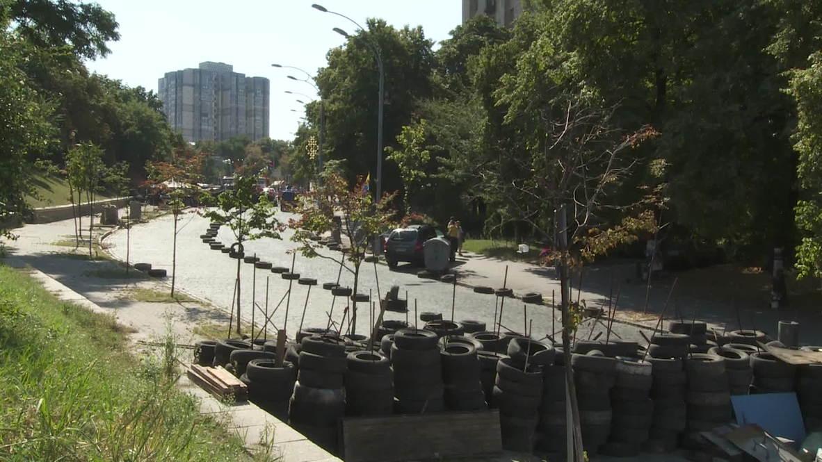 Ukraine: Barricades removed six months after Euromaidan