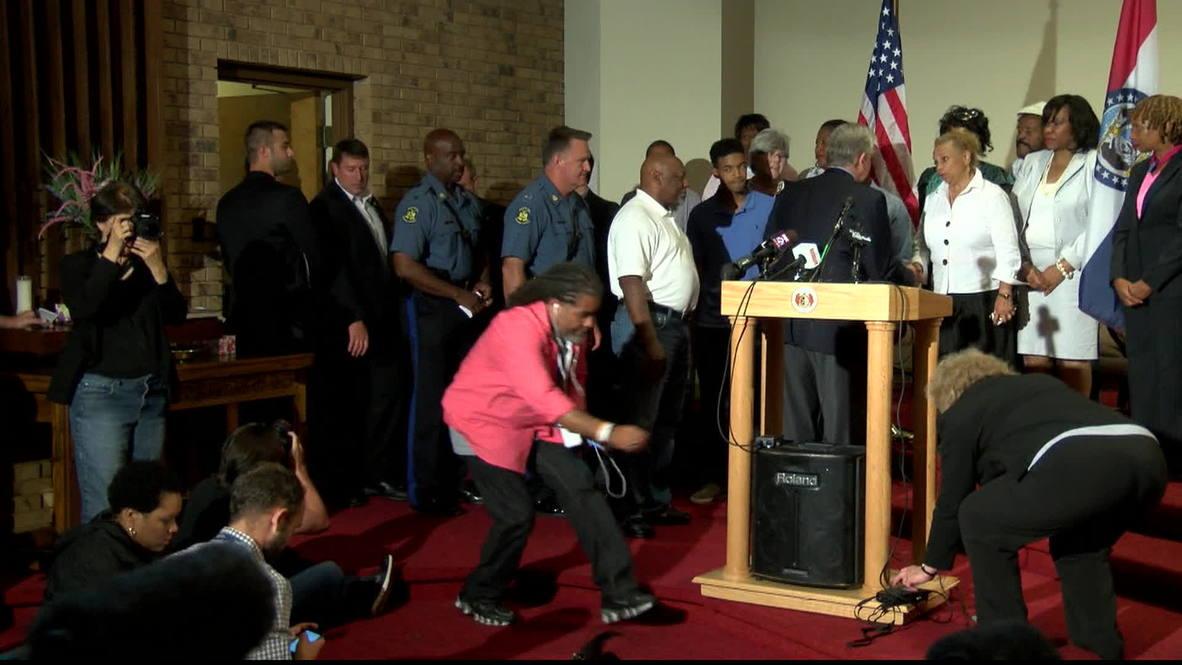 USA: Ferguson police failing to answer 911 calls, officials admit