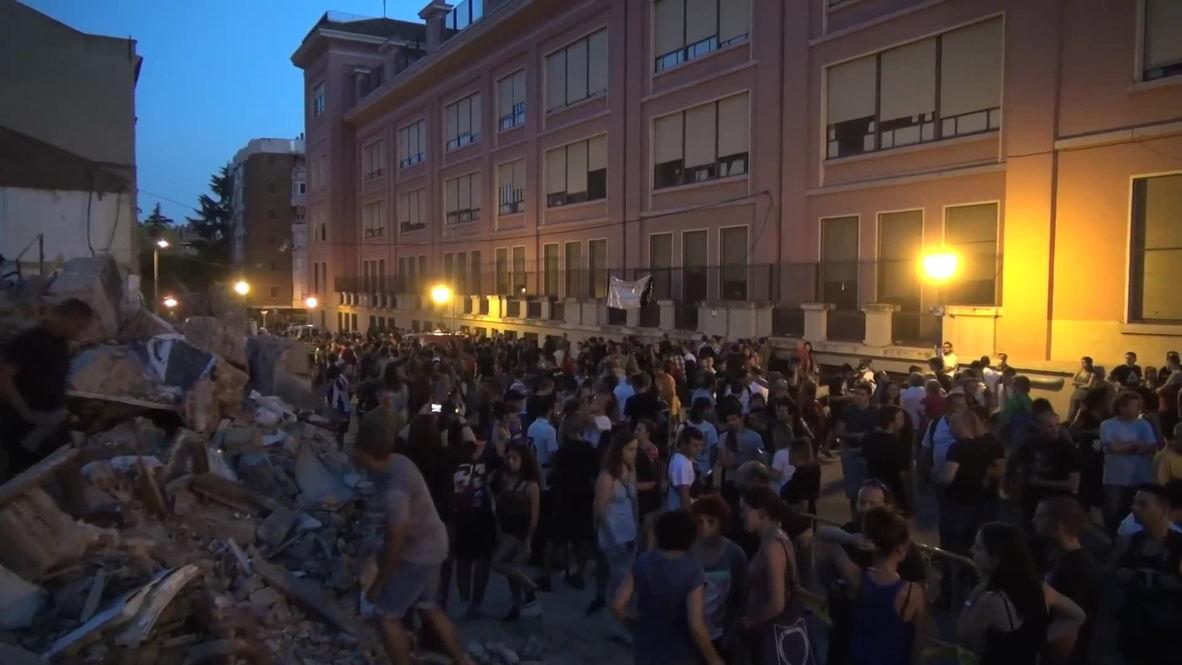 "Spain: Protesters hurl rocks after demolition of ""La Traba"" social centre"