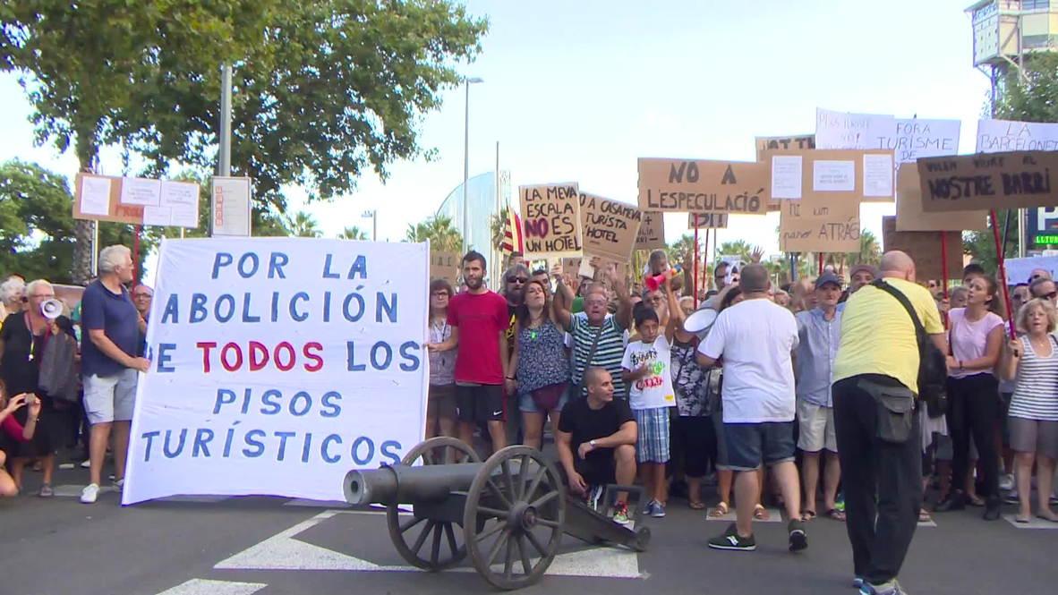 Spain: 'Go home, drunk tourists!' demand thousands of Barcelona locals