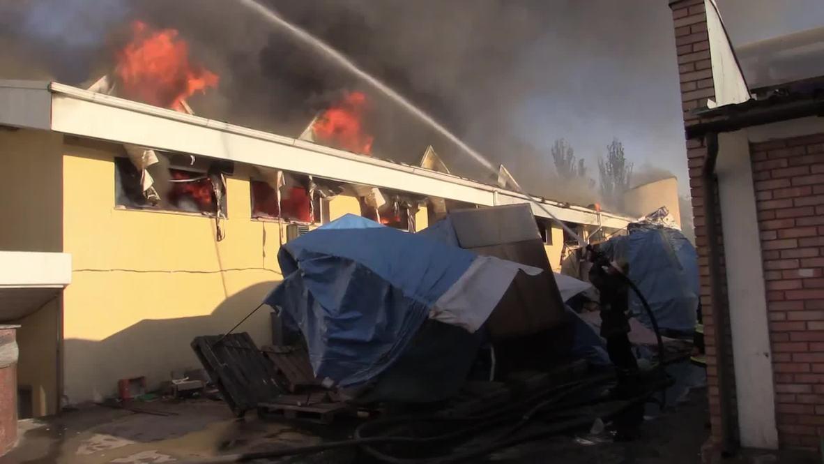 Ukraine: Watch as firefighters battle huge blaze in Donetsk bazaar