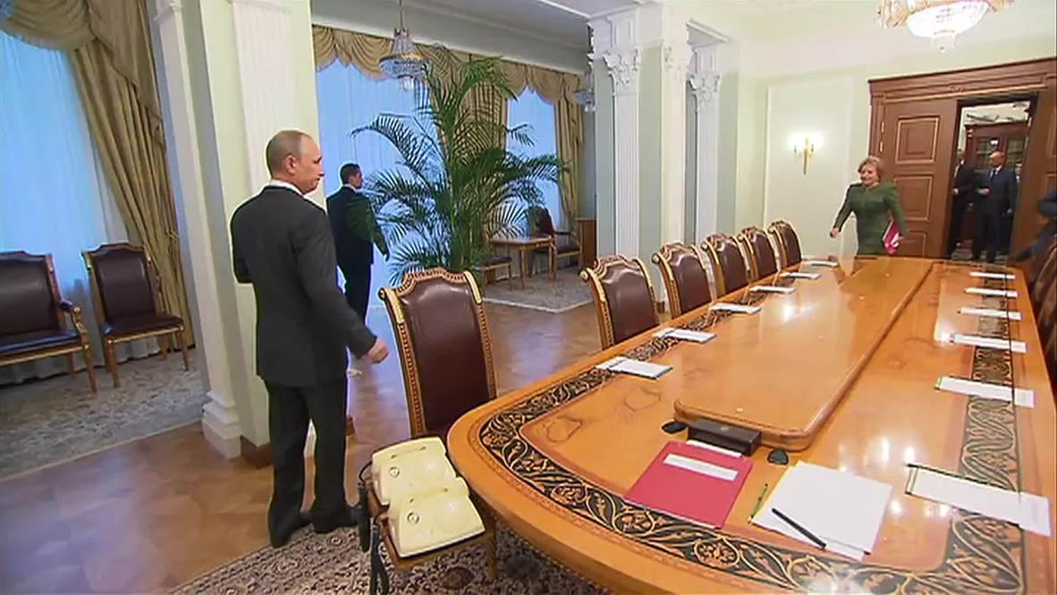 Russia: Putin meets National Security Council over Ukraine peace