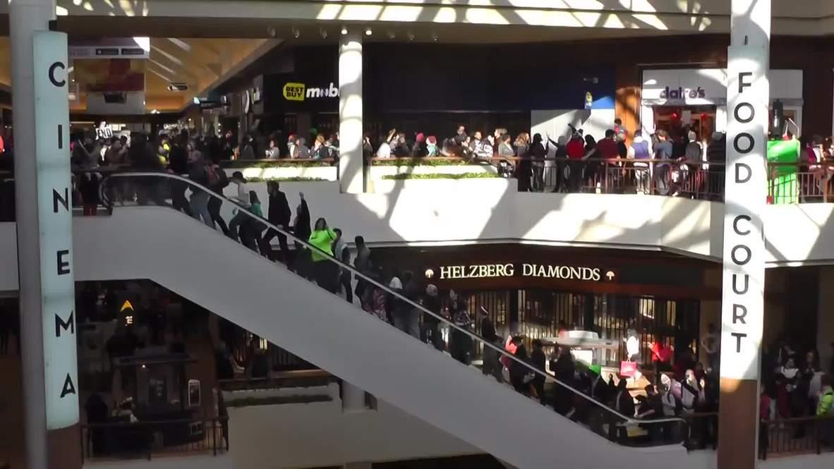 USA: Black Friday Ferguson protesters occupy mall