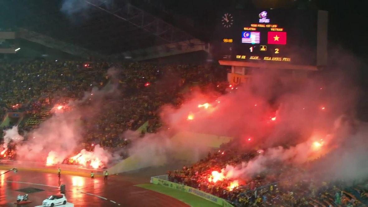 Malaysia: Fans fight at Vietnam-Malaysia Suzuki Cup semifinal