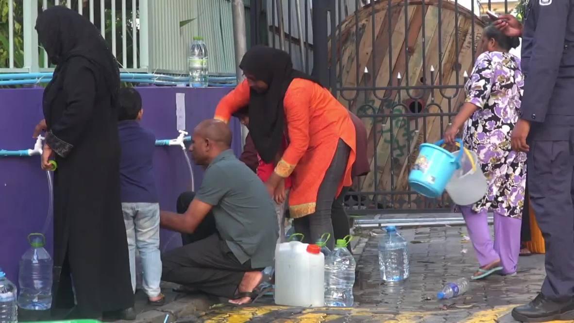 Maldives: China ships 1,000 TONNES of water to crisis-struck Maldives