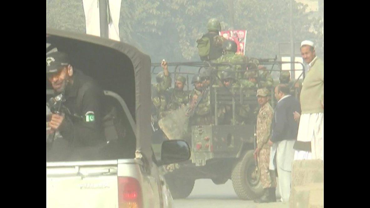 Pakistan: Army alert as Peshawar school attack death toll mounts