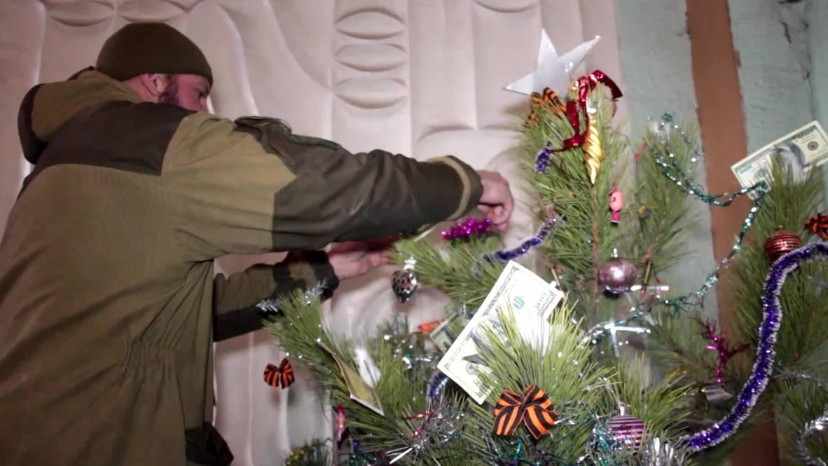 Ukraine: Ammo and grenades decorate DNR Christmas tree